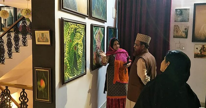 Visiting Al-Ikhlas Gallery as Honorable Guest